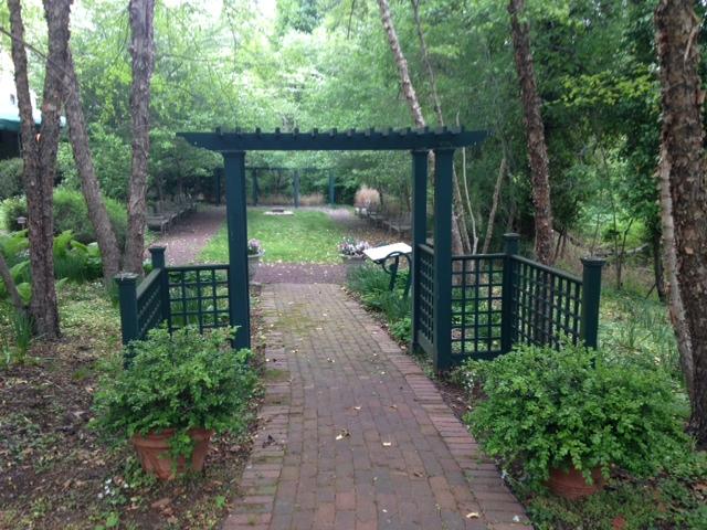 rental_Garden-Entrance